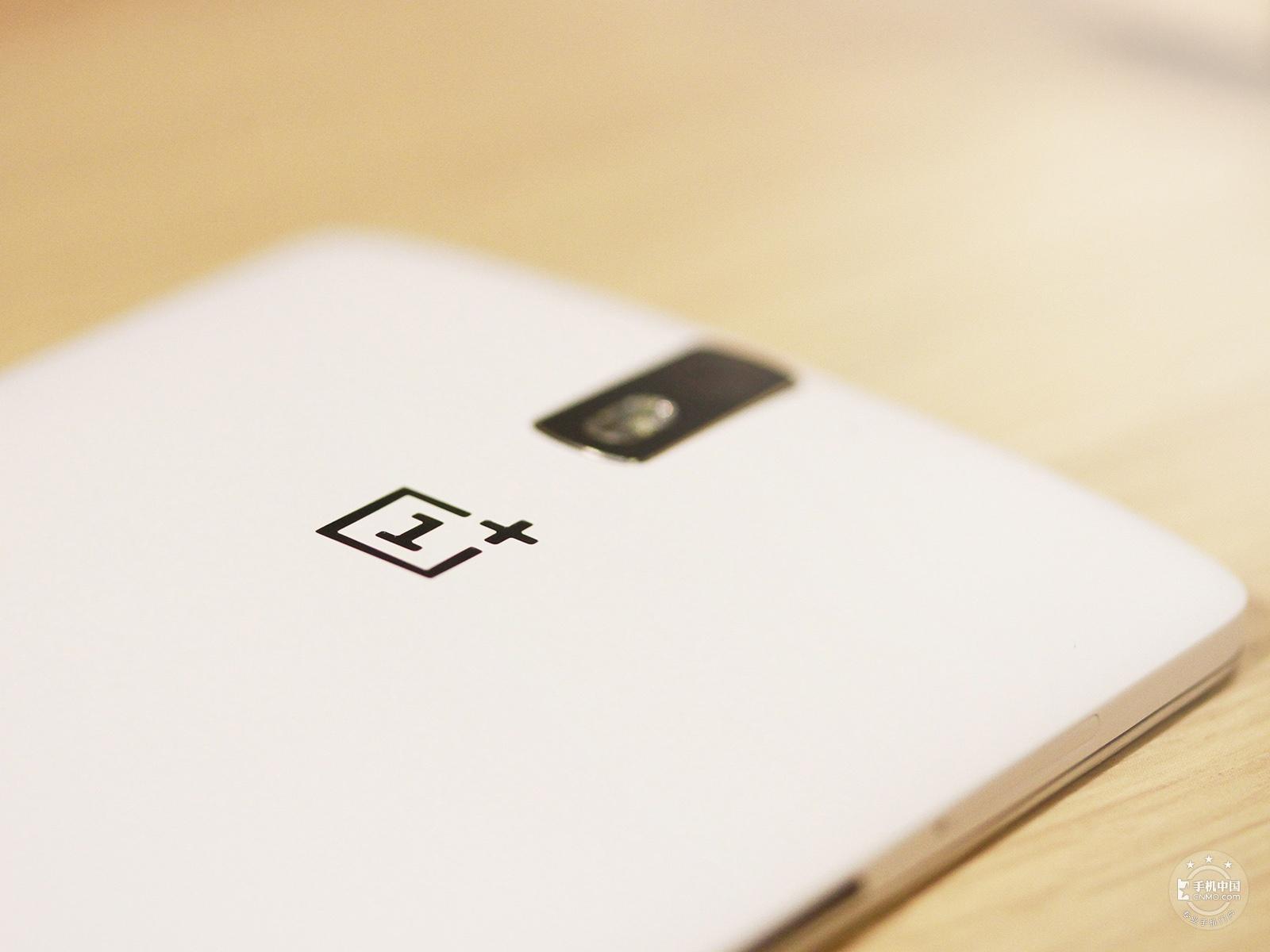 一加手机(64GB/移动版)机身细节第5张