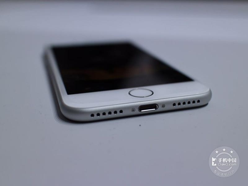 苹果iPhone7(32GB)整体外观第6张