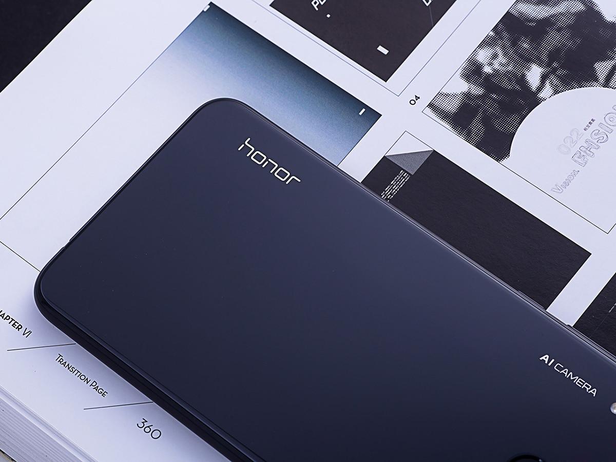 荣耀8X(6+64GB)机身细节第7张