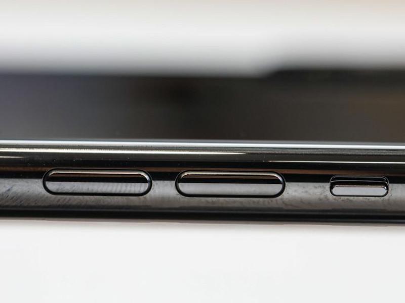 苹果iPhoneXS(256GB)机身细节第8张