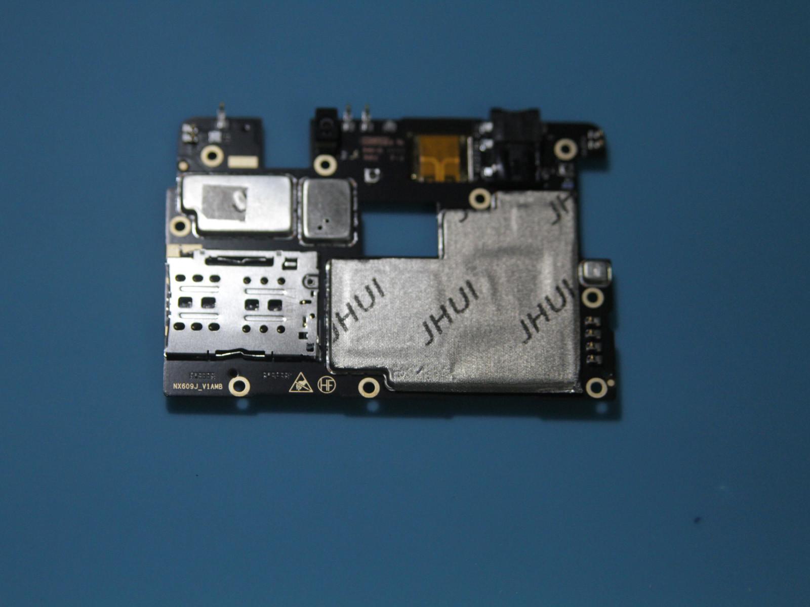 努比亚红魔电竞游戏手机(64GB)拆机图赏第4张