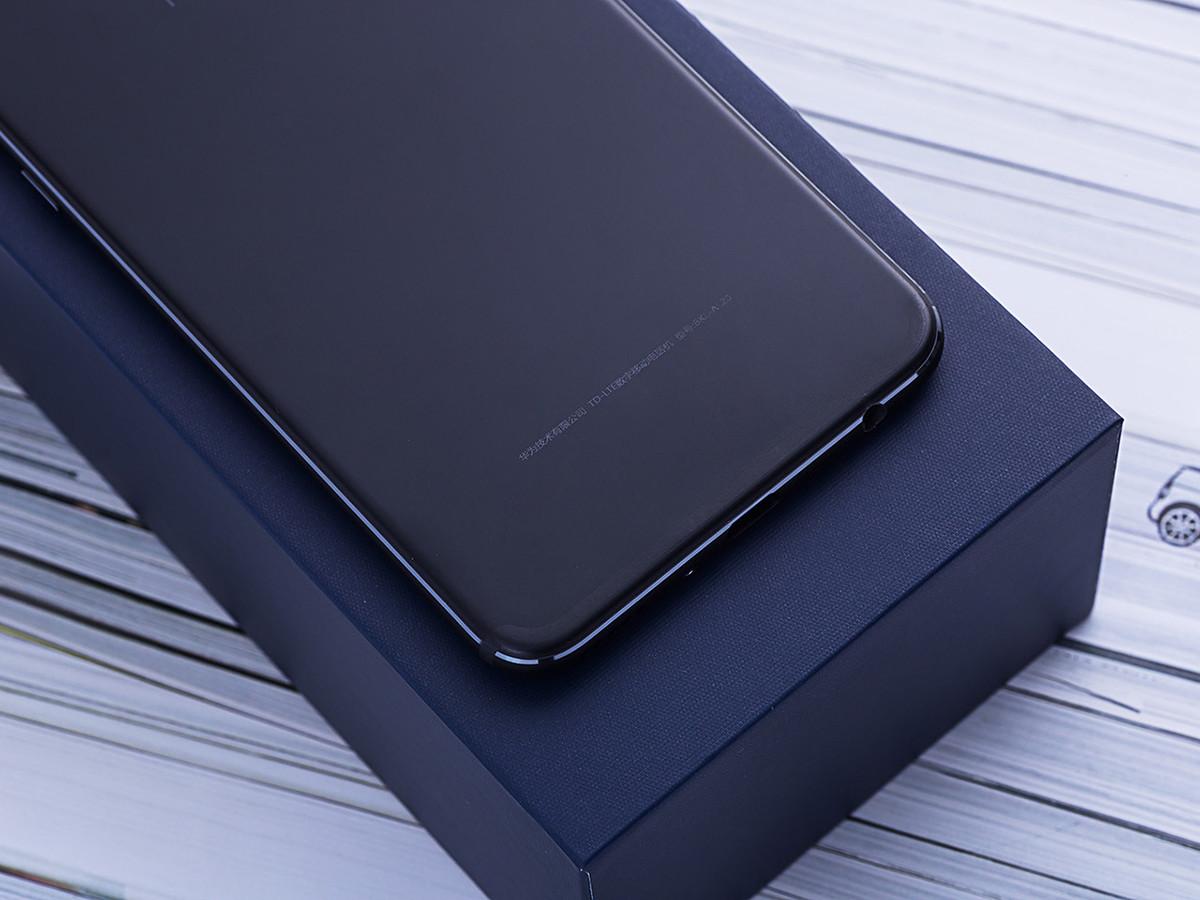 荣耀V10(6+128GB)机身细节第7张